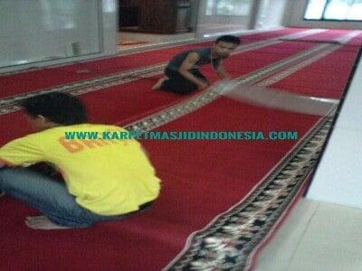 cara pasang karpet